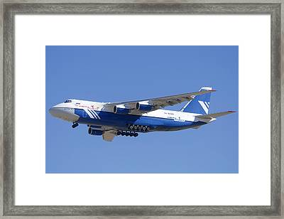 Polet Antonov An-124 Ra-82080 Landing Phoenix-mesa Gateway Airport January 14  Framed Print by Brian Lockett