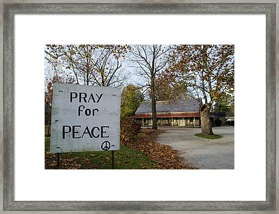 Pray For Peace - Plymouth Meeting Freinds Framed Print by Bill Cannon
