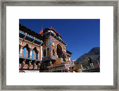 Prayers At Badrinath Temple Framed Print by Padamvir Singh
