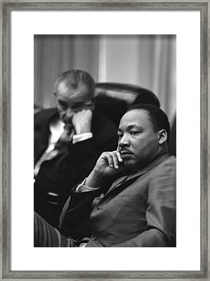 President Lyndon Johnson And Martin Framed Print by Everett