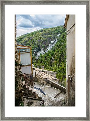 Pretoro - A Village In The Mountains Framed Print