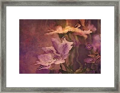 Pretty Bouquet - A04ct3 Framed Print
