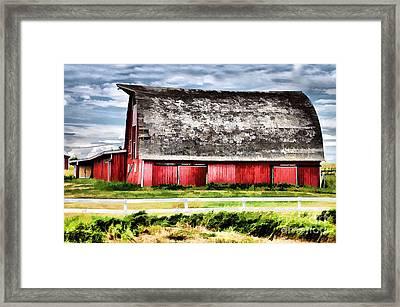 Priaire Barn  Framed Print by Elaine Manley