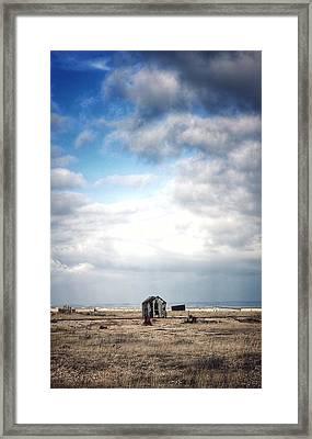 Projekt Desolate The Distance  Framed Print by Stuart Ellesmere
