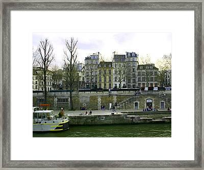 Quai De Seine Framed Print by Hans Jankowski