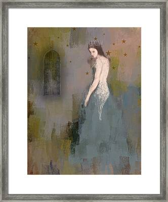 Queen Framed Print by Lisa Noneman
