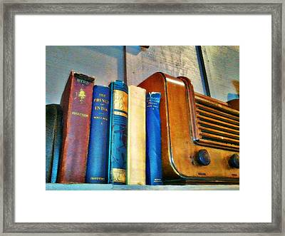 Radio Framed Print by Robert Smith