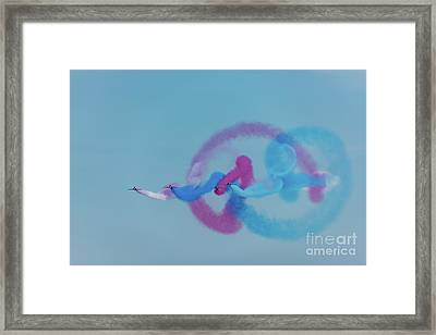 Framed Print featuring the photograph Red Arrows Gypo Swirls by Gary Eason