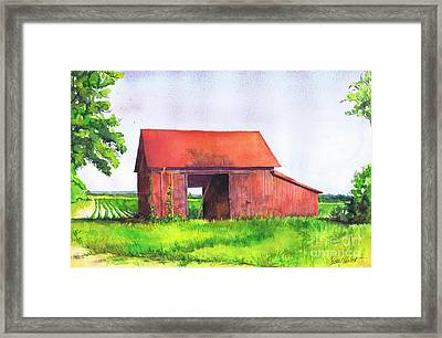 Red Barn Cutchogue Ny Framed Print by Susan Herbst