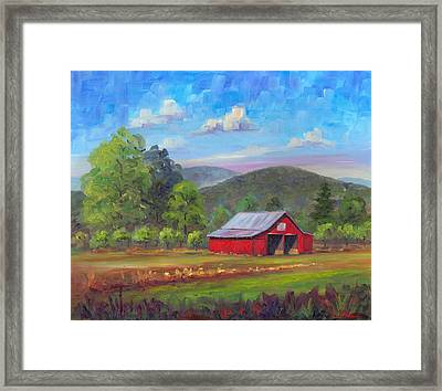 Red Barn In Fruitland Framed Print by Jeff Pittman