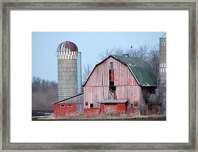 Red Barn On Texas Avenue Framed Print by Mary Pearson
