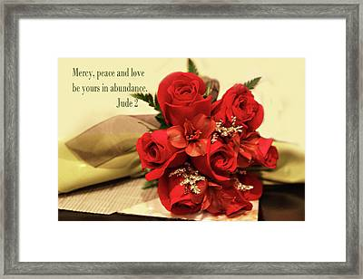 Red Roas Bouquet Jude 2 Framed Print by Linda Phelps