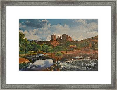 Red Rock Crossing Framed Print by Suzette Kallen