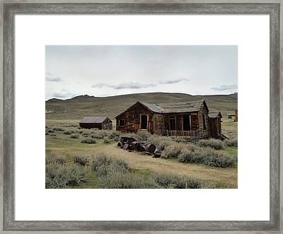 Framed Print featuring the photograph Remembering Bodie by Gordon Beck
