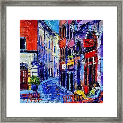 rendez-vous In Vieux Lyon 25x25 Cm Framed Print