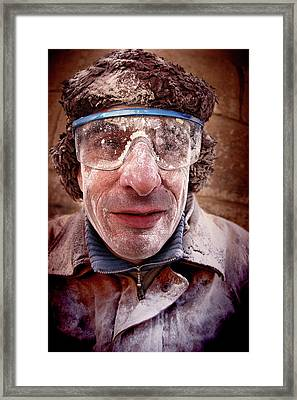 Retrato_1 Framed Print