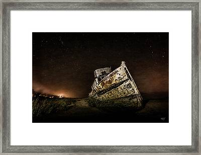 Framed Print featuring the photograph Reyes Shipwreck by Everet Regal