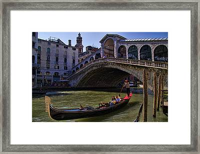Rialto Bridge In Venice Italy Framed Print by David Smith