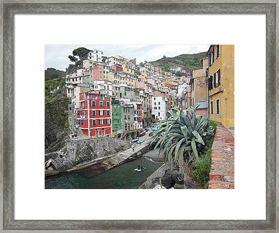 Riomaggiore Cinque Terre Framed Print by Marilyn Dunlap