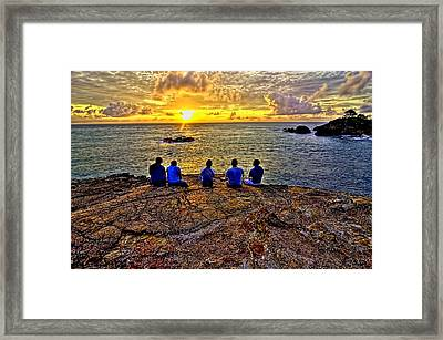 Rising Sun Framed Print by Vincent Lopez