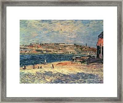 River Banks At Saint-mammes Framed Print by Alfred Sisley