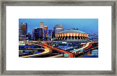 Road To The Dome Framed Print by Mike Roberts