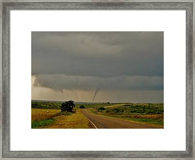 Framed Print featuring the photograph Road To The Twister by Ed Sweeney