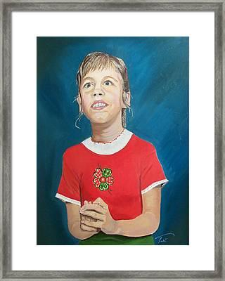 Robin Framed Print by Tobi Czumak