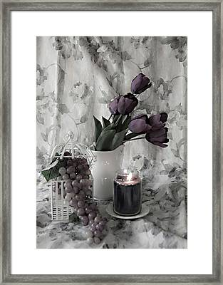 Framed Print featuring the photograph Romantic Thoughts by Sherry Hallemeier