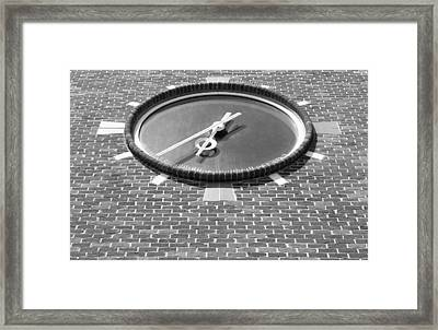 Ronkonkoma Time B W Framed Print by Rob Hans