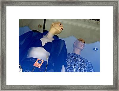 Rosa Y Xavier Framed Print by Jez C Self