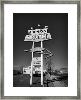 Route 66 - Sands Motel Sign 001 Bw Framed Print