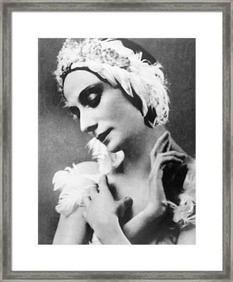 Russian Ballet Dancer Anna Pavlova Framed Print by Everett