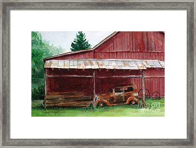 Rusty Ole Car Framed Print by Suzanne Krueger