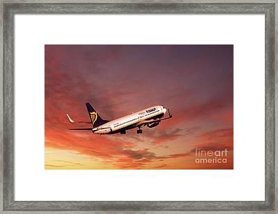 Ryanair Boeing 737-800 Framed Print