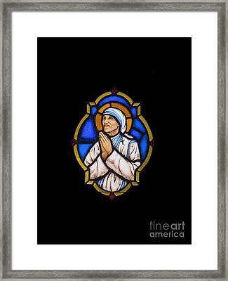 Saint Mother Theresa Of Calcutta Framed Print by Elizabeth Duggan