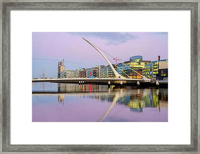 Samuel Beckett Bridge At Dusk Framed Print