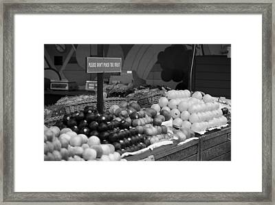 San Francisco Fruit Stand Bw Framed Print by Frank Romeo