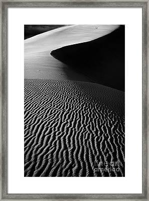 Sand Creation - Black And White Framed Print by Hideaki Sakurai