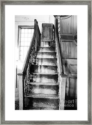Sandown Meetinghouse -sandown Nh Usa Framed Print by Erin Paul Donovan