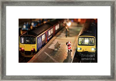 Santa Goes To Exmouth  Framed Print by Rob Hawkins