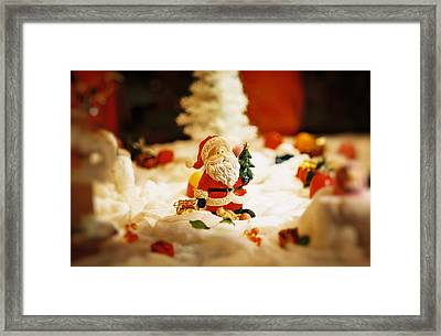 Santa In Town Framed Print by Sun Wu