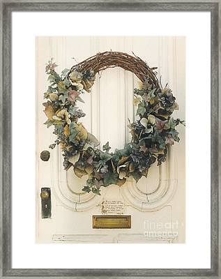 Savannah Georgia Vintage Old Door With Wreath Framed Print