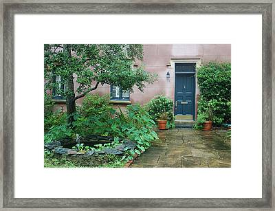 Savannah Style Framed Print by Suzanne Gaff