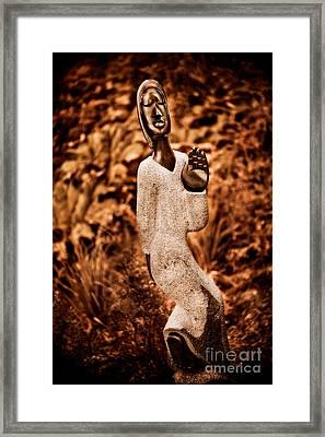 Saying Goodbye Framed Print by Venetta Archer