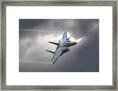 Screaming Eagle Framed Print by Peter Chilelli