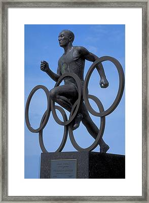 Sculpture Of Jesse Owens  Framed Print by Carl Purcell
