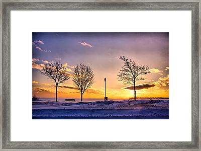 .scuse Me While I Touch The Sky.. Framed Print by Russell Styles
