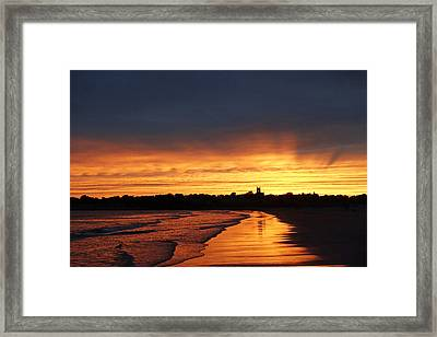 Second Beach Newport Ri Sunrays Framed Print by Toby McGuire