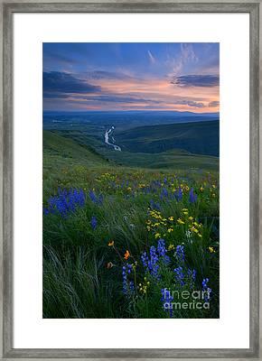 Selah Sunset Framed Print by Mike  Dawson